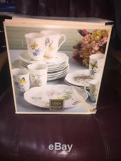 Beautiful Lenox Butterfly Meadow 18 Piece Dinnerware Set Service for Six (6)