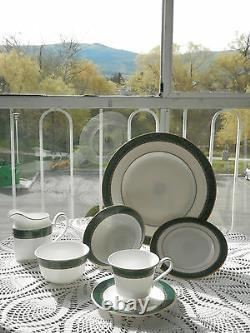 Bone China Dinnerware set for 10 Christmas is Coming