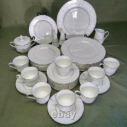Chantilly by Hallmark 39 Piece set of Bone China Dinnerware