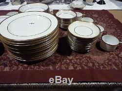 Heinrich & Co H&C Fine China, Tudor 18351, 84pc Dinnerware Set, Lot M0220001