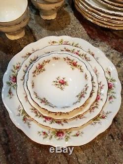 Johann Havilland MOSS ROSE Dinnerware Complete Setting for 6- 45 Pieces Bavaria