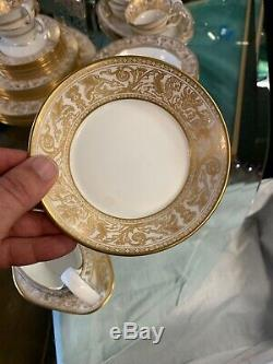 Large Set WEDGWOOD FLORENTINE GOLD WHITE DINNERWARE + Free Lysol