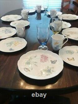 Lenox Butterfly Meadow Collection Classic Dinnerware Set (22 Piece Set)