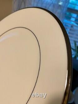 Lenox White Solitaire Dinnerware Set (Set of 12)