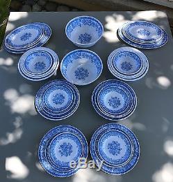 MrTableware 32-Piece Melamine Dinnerware Blue Flower Set(FDA Compliance)