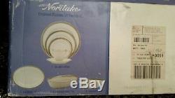 Noritake Crestwood platinum 50-pc Dinnerware Set Service/8+Bowl Platter