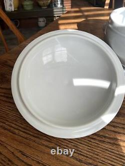 Pillivuyt White Porcelain France 3 1/2 Quart Lions Head Soup Tureen withLid