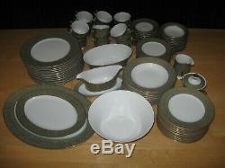SANGO VERSAILLES CHINA, 3632 DINNERWARE SET, 96 PIECES GREEN With GOLD TRIM JAPAN