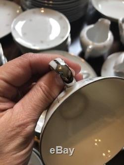 SNOWFLAKE JAPAN Fine China CHRISTMAS HOLIDAY WINTER DINNERWARE Platinum Gold