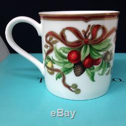 Tiffany & Co Tiffany Holiday Set Of 4 Mugs Red Ribbons Acorns Original Box