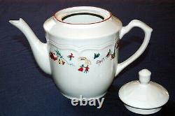 Vintage FARBERWARE White Christmas 95 #391 Dinnerware China set. 48-piece Serv