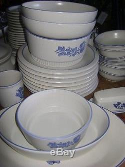 Vintage Pfaltzgraff Yorktown Dinnerware Stoneware Blue 51 Plate Bowl Casserole